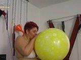 Amateurvideo Der Ritt auf dem großen gelben Luftballon von Annadevot